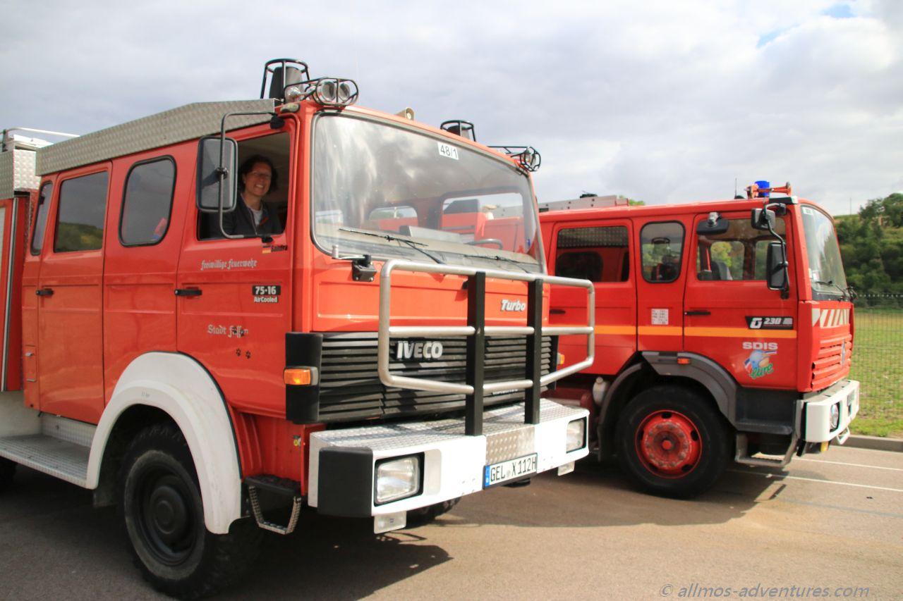 Allmo und der bauähnliche Renault der Feuerwehr in Les Andelys